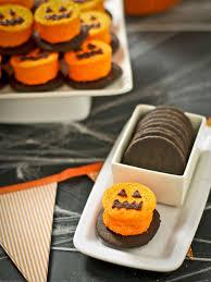 50 sweet and salty halloween snacks and treats easy halloween