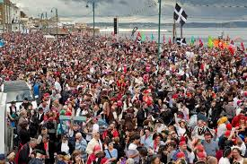 penzance needs 15 000 pirates to win a guinness world record and