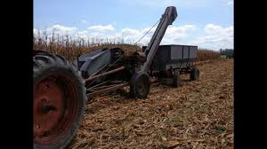 new idea new idea 310 corn picker youtube