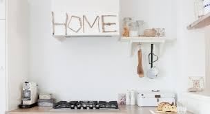 habillage hotte de cuisine décorer la hotte de la cuisine prima