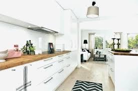 cuisine bois et blanc laqué cuisine bois blanc unique cuisine blanche en bois modele idee et