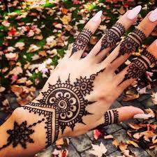 más de 25 ideas increíbles sobre tatuajes de henna en pinterest