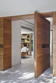 porte interieur en bois massif 100 portes en bois massif cuisine parquet massif