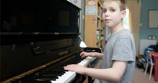 Blind Pianist Watch Incredible Blind Boy Who Learned To Play Piano Before He