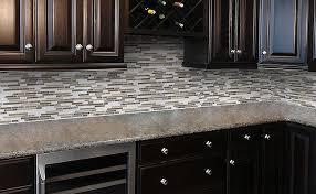 Kitchen Backsplash Glass Tile Dark Cabinets Del - Glass backsplash pictures