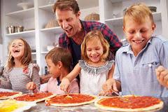 cuisiner avec ses enfants ma kit de cuisine enfant viaparents un cuisiner avec ses enfants