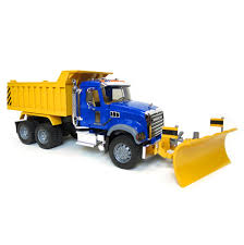 16th bruder mack granite dump truck with snow plow and flashing lights