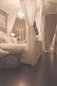 Decorating Ideas For Bedrooms by Best 25 Shabby Chic Bedrooms Ideas On Pinterest Shabby Chic