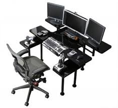 best gaming desk for 3 monitors amazing the best computer gaming desk with 3 monitor twimfest
