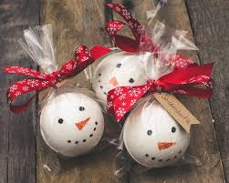 snowman christmas bath bombs sugar cookie snowman bath fizz
