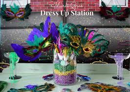 mardi gras centerpieces mardi gras diy dress up station and centerpiece