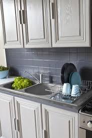 repeindre meubles cuisine repeindre sa cuisine en bois relooker une cuisine en bois
