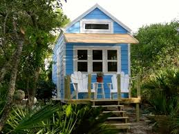 big tiny house descargas mundiales com tiny homes that are big on storage hgtv s decorating design