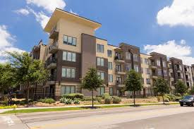 zang triangle apartments in dallas venterra living ilume park 3109 douglas ave dallas tx 75219
