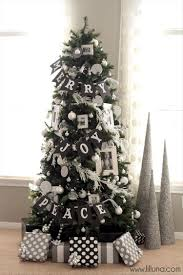 beautifully decorated christmas trees 10 pics