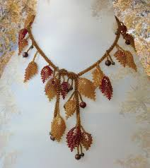 leaf pattern necklace beading pattern seed beaded autumn leaves necklace