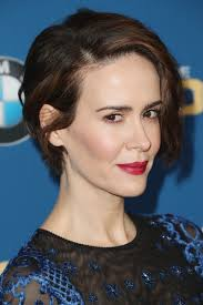 hair style ideas with slight wave in short sarah paulson short wavy cut short wavy short hair and hair style