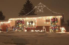 people who hang christmas lights prepare to be a winter warrior winnipeg free press homes