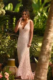 of the gowns foretelling tonight s bachelor winner based solely on their finale