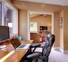 wohnzimmer computer innenarchitektur kühles geräumiges wohnzimmer computer home