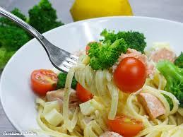 cuisine saumon pâtes au brocolis saumon et tomates cerises la cuisine d adeline