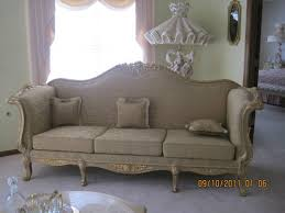 Country French Sofas by 29 Best French Provincial Couch Makeover Images On Pinterest