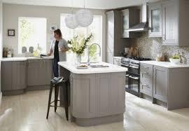 couleur meuble cuisine tendance couleur meuble cuisine inspirational cuisine taupe 51 suggestions