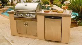 outdoor kitchen island and designs