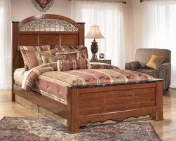 Greensburg Queen Bedroom Set Fairbrooks Estate Poster Bedroom Set From Ashley B105 67 64 98