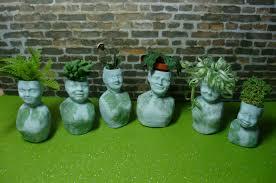 head planters head planters hayneedle a small hearts desire