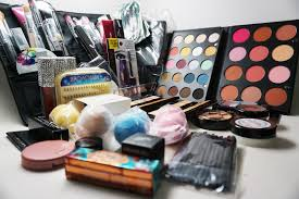 makeup kits for makeup artists 1000 makeup artist starter kit giveaway makeup by renren