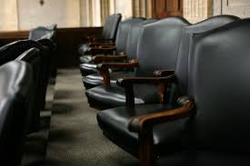 judge removed after allegedly allowing lawyer to hear cases wear
