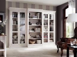 Wohnzimmerschrank Richtig Dekorieren Funvit Com Regal Dekorieren