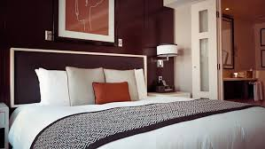 dans la chambre d hotel vol dégradation dans une chambre d hôtel qui est responsable