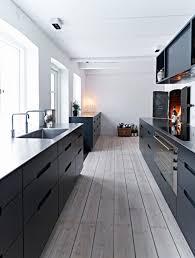 34 Timelessly Elegant Black And White Kitchens Digsdigs by Stijlvolle Keuken In Scandinavische Design Mooie Combi Tussen Een