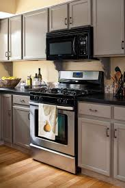 kitchen cabinet colors with beige countertops 19 popular kitchen cabinet colors with lasting appeal