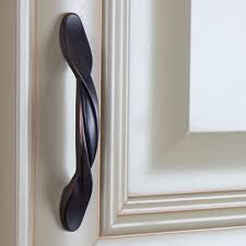 Oil Rubbed Bronze Cabinet Pull by Best 25 Oil Rubbed Bronze Ideas On Pinterest Rustoleum Spray