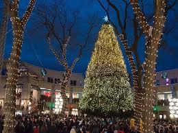 christmas tree lighting boston 2017 25036298 1625863357452775 6059002109263609856 n faneuil hall