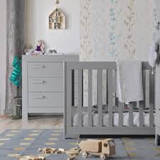 photo chambre bébé chambre bébé essentielle bois massif gris béton aarobetk02