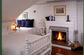 Bed And Breakfast Fireplace by Snug Cottage In Provincetown Massachusetts B U0026b Rental