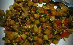 cuisiner des poivrons recette poivrons aux œufs pas chère et express cuisine étudiant