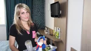 hotel femme de chambre aline 20 ans femme de chambre à l aloé