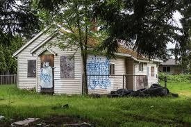 Zombie House Oregon Local News Portland Raps U S Bank About Zombie Home