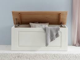Schlafzimmerschrank Pinie Massiv Schlafzimmer Möbel Im Landhausstil Aus Massivholz Betten