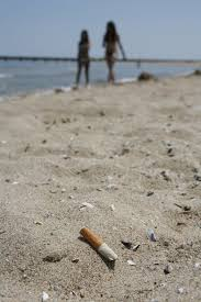 Flags At Half Mast Michigan Cigarette Make Up Nearly Half Of Trash At Chicago Beaches