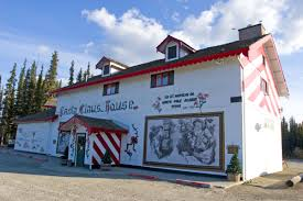 santa claus house north pole ak these 4 christmas towns will get you in the holiday spirit houstonia