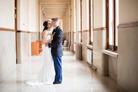 courthouse weddings 8 reasons to a courthouse wedding