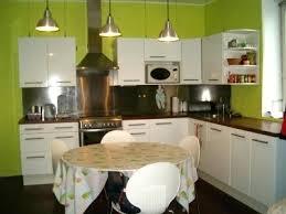 cuisine blanche et verte deco cuisine vert decoration cuisine vert anis cethosia me