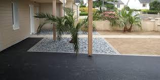 Prix Au M2 Veranda Entrée En Enrobé Avec Parterre En Ardoise Grise Des Palmiers