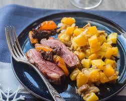 cuisiner magret de canard au four rôti de magret de canard aux pruneaux et abricots secs cuisine